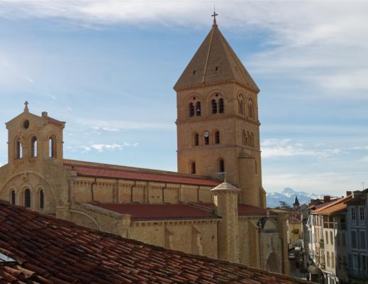 The Saint-Pierre collegiate church of Saint-Gaudens: on the Way of Saint James